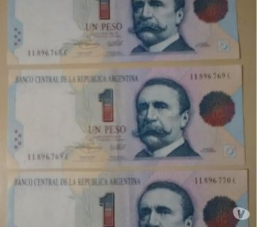 Fotos de Tres billetes correlativos $1300.-