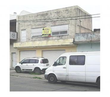 Fotos de Local con casa + Salón en Planta Alta - Isidro Casanova