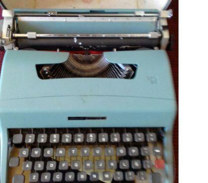 Fotos de ANTIGÜEDAD Máquina Escribir