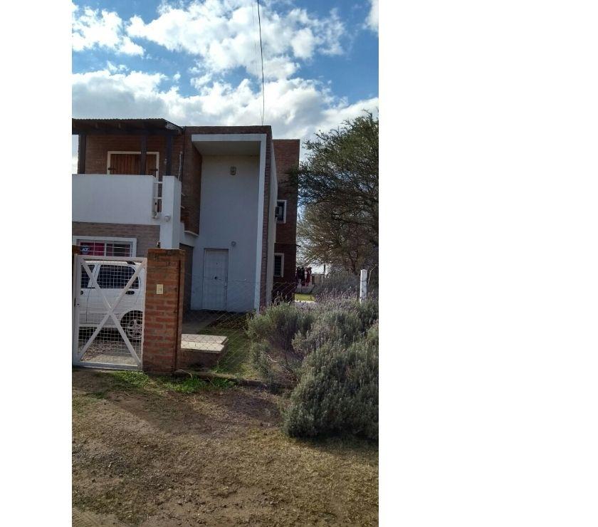 Venta de Casas Mendiolaza - Fotos de Vendo casa 3 dorm cpil APTA CREDITO El Talar U$S 155.000.-