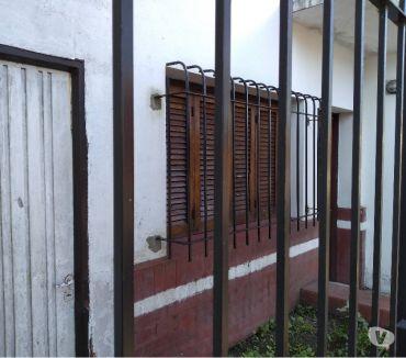 Fotos de 17 CASI 69 ZONA CRECIMIENTO GASTRONOMICO ..CASA A REPARAR