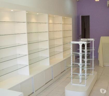 Fotos para Balcões para loja em vidro temperado e MDF.