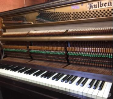 Fotos para Afinador de pianos.