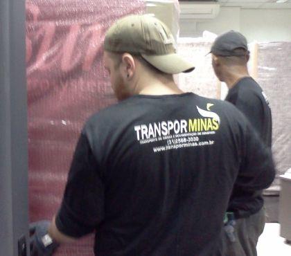 Fotos para Mudanças Comerciais em BHMG com caminhão Plataforma.