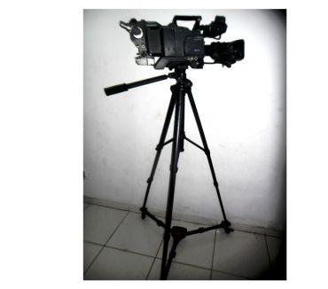 Fotos para Tripe Vicin Para Filmadora com Dolly 9 8302 0358 DF