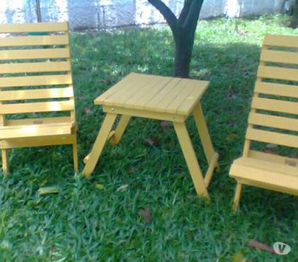 Fotos para Conjunto de cadeiras e mesinha toda em madeira maciça
