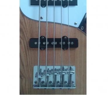 Fotos para Baixo 5 cordas Jazz Bass - TrocaVenda