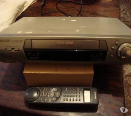 Fotos para Vídeo Cassete Panasonic Mod. NV-HD695DBR
