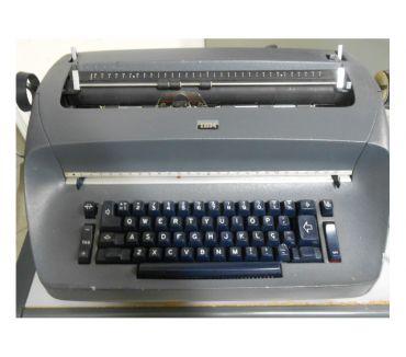 Fotos para Máquina de escrever elétrica IBM – 110V