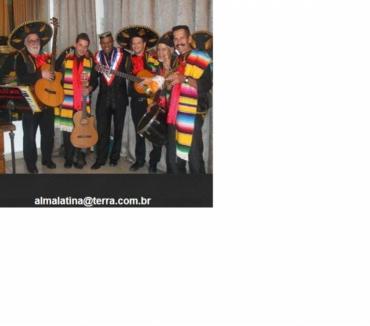 Fotos para MARIACHI - MEXICANOS - NO BRASIL - SOMBREROS