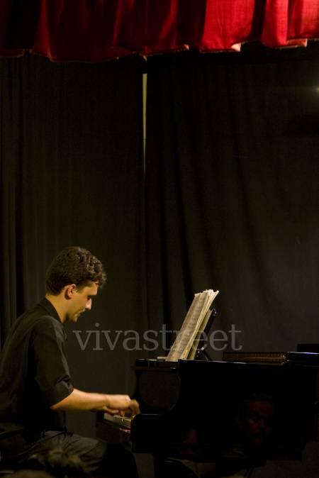 Fotos para AULAS DE TEORIA MUSICAL E PIANO