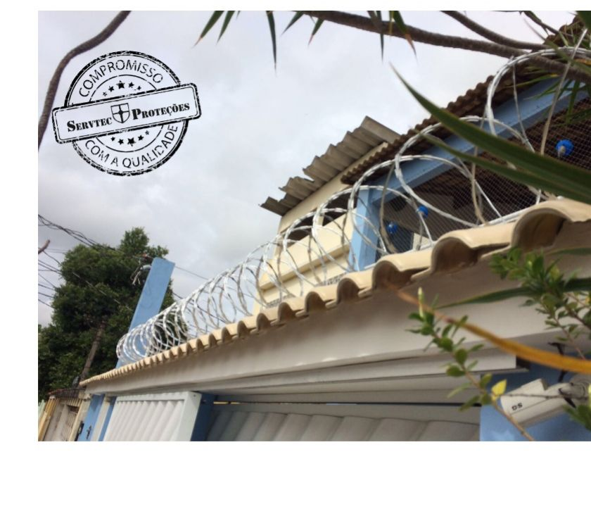 Fotos para Instalação de cerca concertina duplaclipada - 450 mm