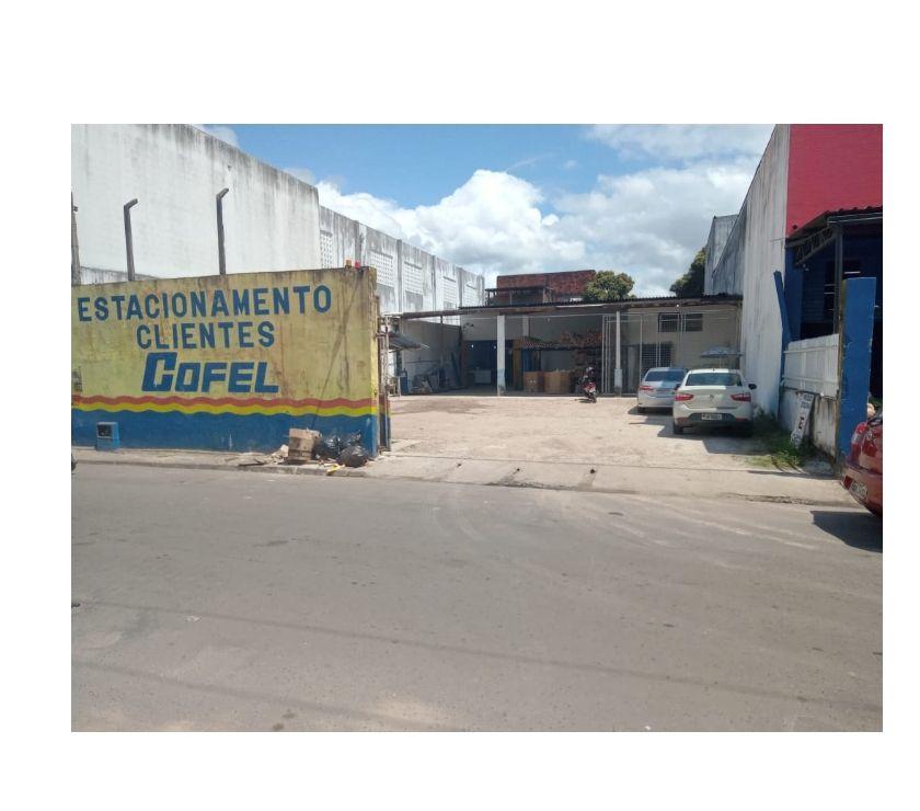 Comprar Loja Valenca BA - Fotos para Área toda murada com 01 Galpão à Venda em Valença-Bahia.