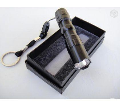 Fotos para Mini Lanterna de Led Tática a Prova D`agua