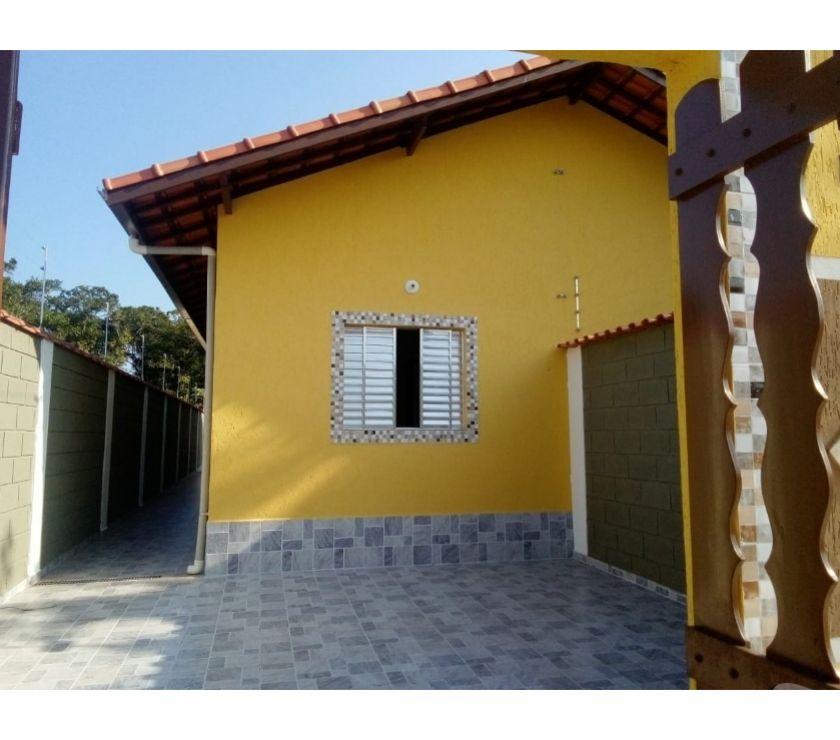Apartamentos a venda Itanhaem SP - Fotos para Casa com piscina e churrasqueira em Itanhaém.