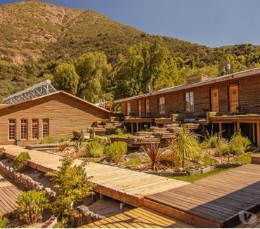 Fotos de Hotel y Centro de Convención en Cajón del Maipo en MM 1.750.