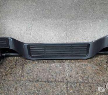 Fotos de 5 Parachoques traseros originales Toyota Hi Lux nuevos,