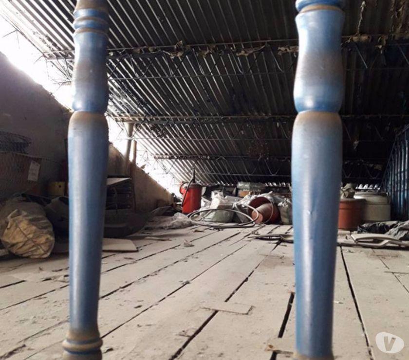 Fotos de Bomba dispensadora de aceite antigua y operativa.