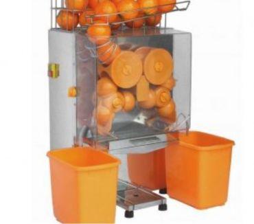 Fotos de tecnicos en exprimidoras de naranja y extractores de jugo