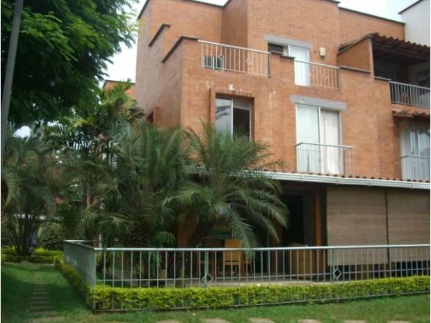 Vendo casa en condominio barrio ciudad jardin cali for Aviatur cali ciudad jardin