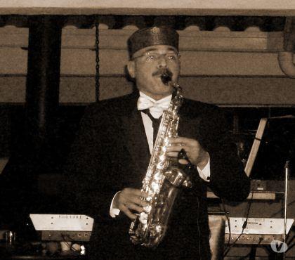 Fotos de Saxofonista, Oreganista-Cantante y Grupo Musical