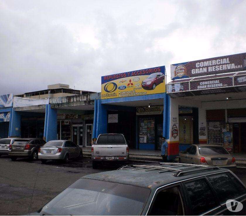 Fotos de SE VENDE LOCAL DENTRO DEL CENTRO COMERCIAL LOS OLIVOS.