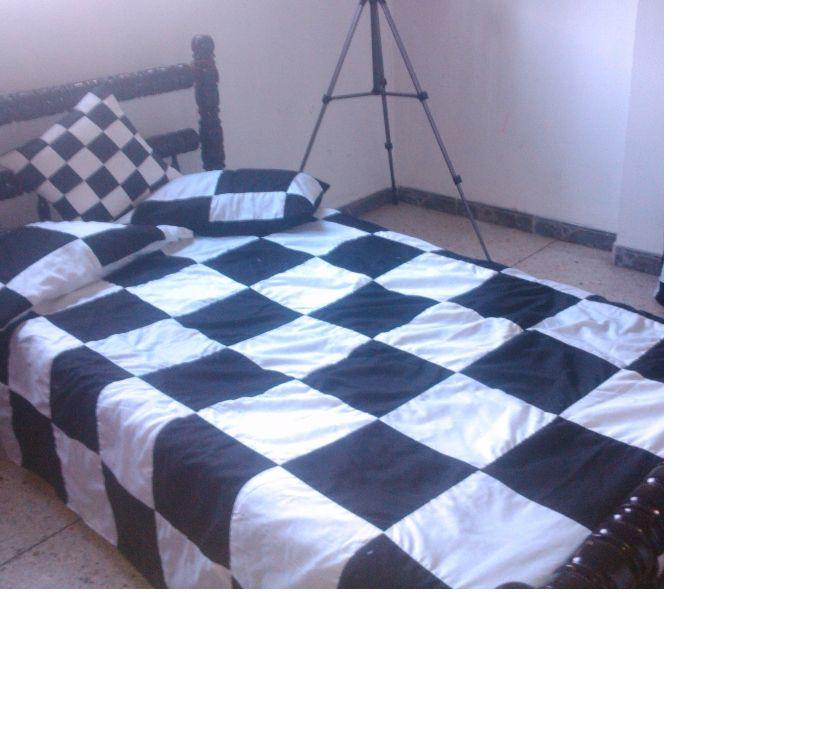 Fotos de edredon ajedrez blanco y negro en patchwork