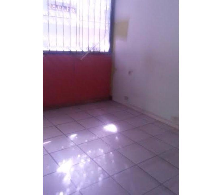 Fotos de Inmobipiña vende Oficina en Alta Vista.
