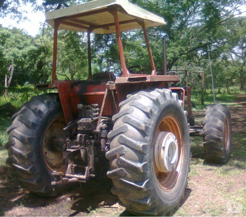 Fotos de Tractor chino Doble de 200 hp 2004