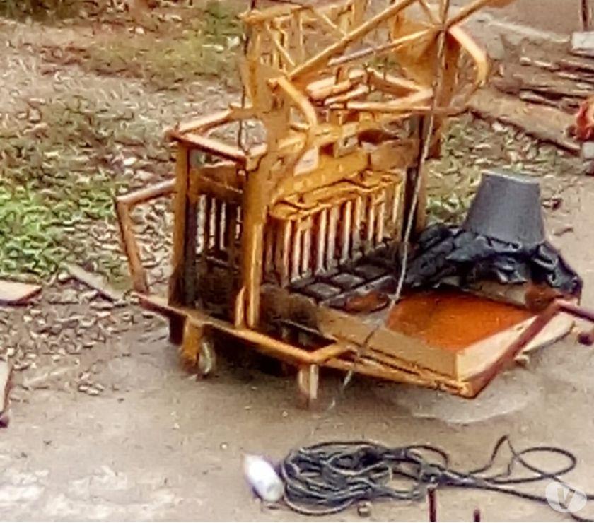 Fotos de Se vende Máquina de hacer bloque