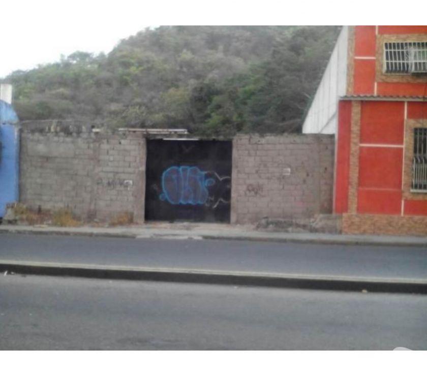 Fotos de Terreno en Venta en Av 19 de Abril Maracay hecc 18-172