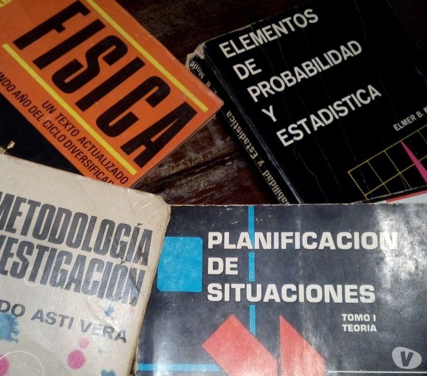 Fotos de textos escolares usados y colecciones de diferentes categori