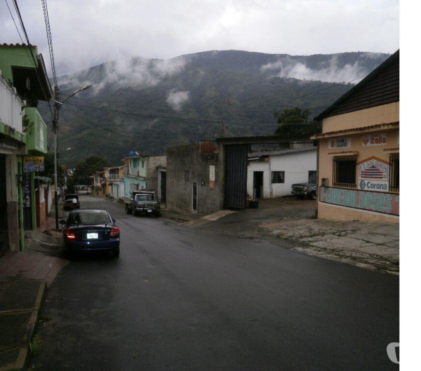 Fotos de Venta de Local Comercial Tovar Edo Merida
