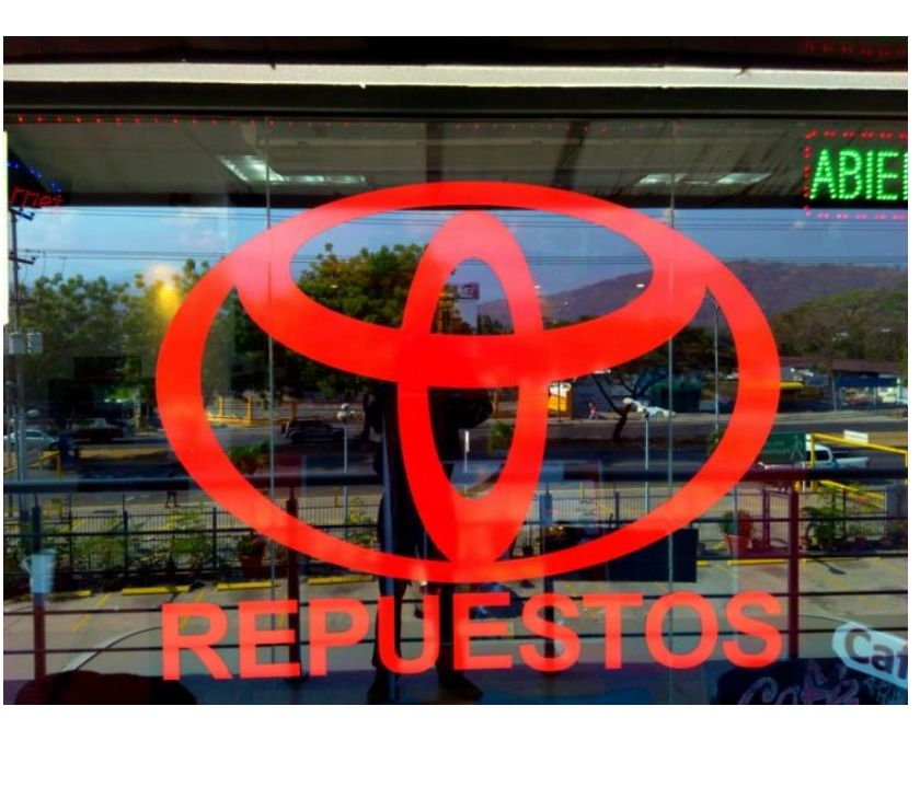 Fotos de NEGOCIO A LA VENTA, TOYOTA CORPORACIÓN BUSINESS MALL C.A