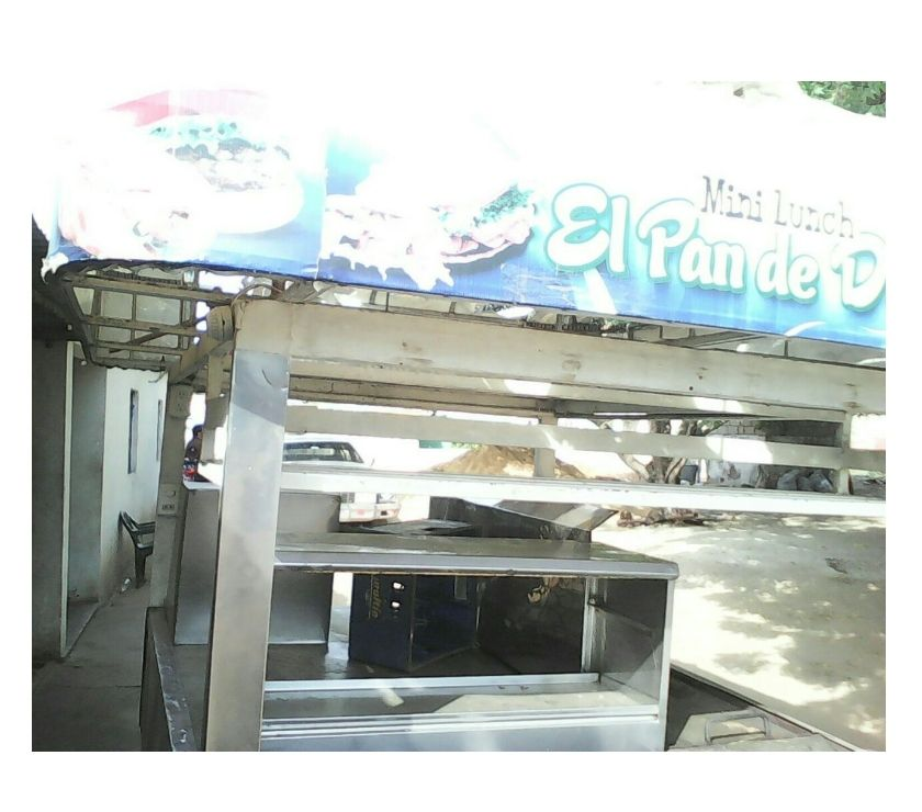 Fotos de trailer de comida rapida en acero en oxidable