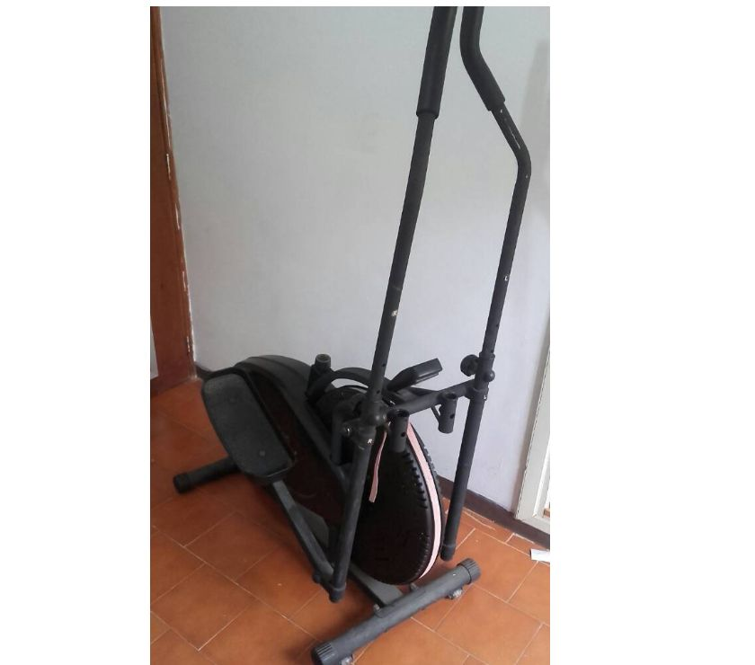 Fotos de Bicicleta Elíptica Iron Body operativa y poco uso