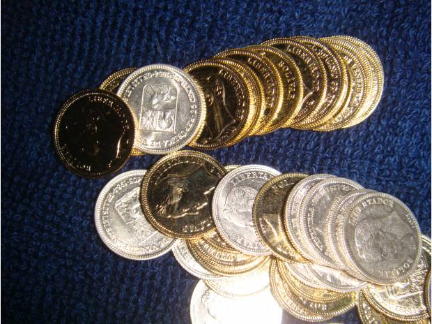Fotos de Busco Monedas de cualquier metal y País, Billetes