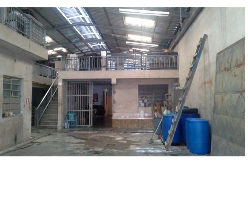 Fotos de Se Vende Galpon en La Av Farriar, 426 Metros