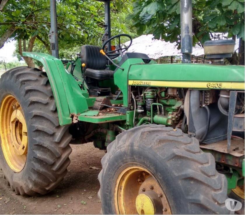 Fotos de Tractor Jhon Deer Doble