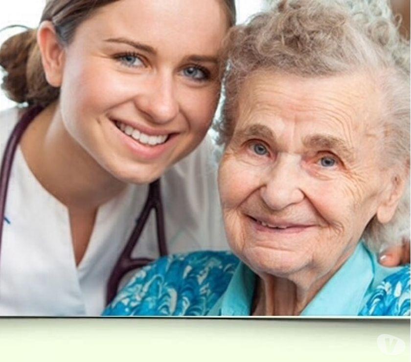 Fotos de Ilustre colegio de médicos04123963151 enfermeras cuidadoras