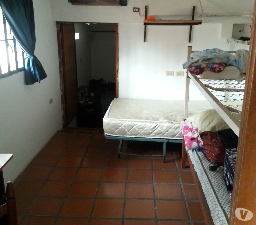 Fotos de Alquilo habitacion en Tierra Negra SOLO DAMAS